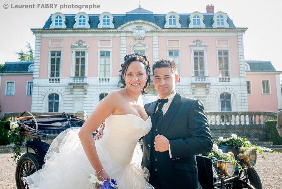 portrait des mariés devant le château de Boigne à Chambéry, Savoie (73)