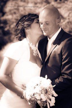 le baiser de la mariée, photographie sépia
