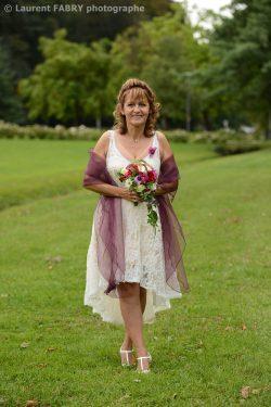 photographie de la mariée et son bouquet