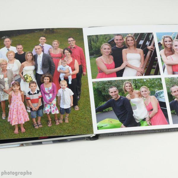 la photo de toute la famille dans un album de mariage