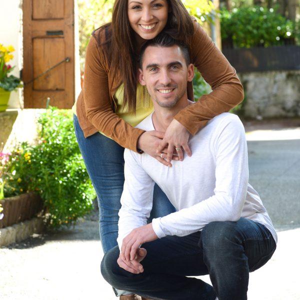 séance photo engagement avant le mariage de ces amoureux près du lac du Bourget