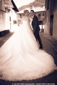 Photos de couple lors d'un mariage en Tarentaise