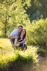Séance engagement pour ce couple avec Laurent Fabry photographe, avant son mariage en Bauges