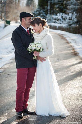 Les mariés sur la piste cyclable du lac d Annecy