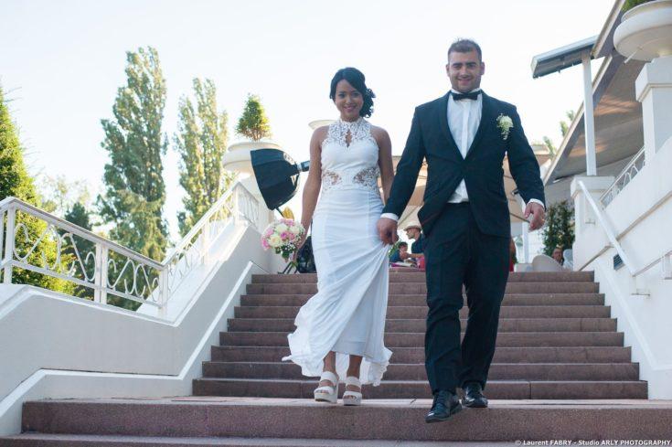 Les mariés descendent l escalier, Imperial Palace, Annecy, Haute Savoie