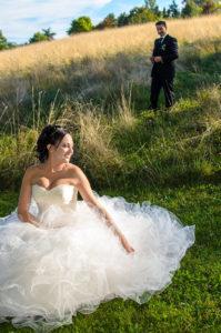 Photographe de mariage à Chambéry dans le parc de Buisson Rond