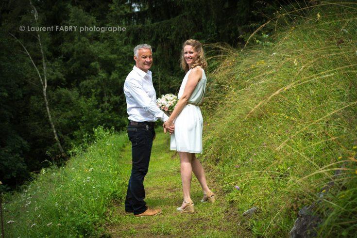 portrait des mariés en Beaufortain (photographe professionnel de mariage dans les Alpes)