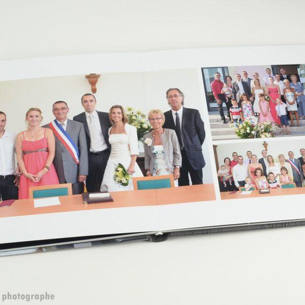 photos importantes dans un album de mariage : la cérémonie civile en mairie