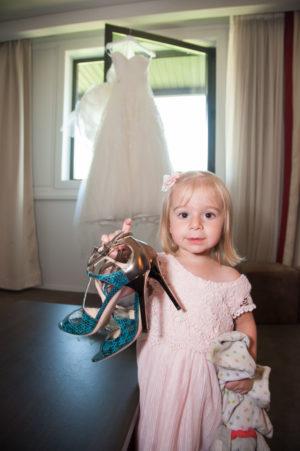 Assistante habillage de la mariée (mariage à Chambéry)