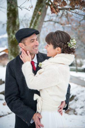 Portrait hivernal des mariés en Haute Savoie (Lathuile)
