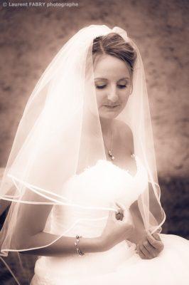Photographe mariage Savoie : la mariée, photo sépia