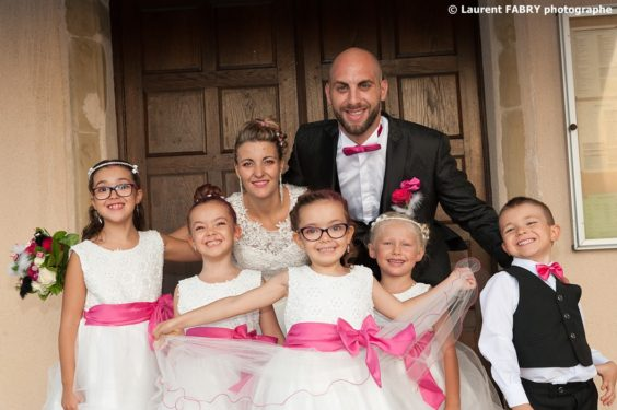 les mariés et tous leurs enfants