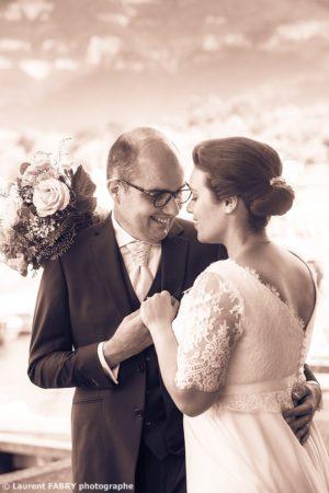 photo des mariés en sépia, photographe professionnel de mariage en Savoie